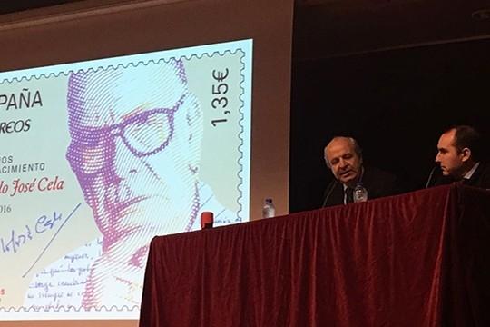 Correos emite un selo que lembra o centenario do nacemento do Nobel padronés Camilo José Cela