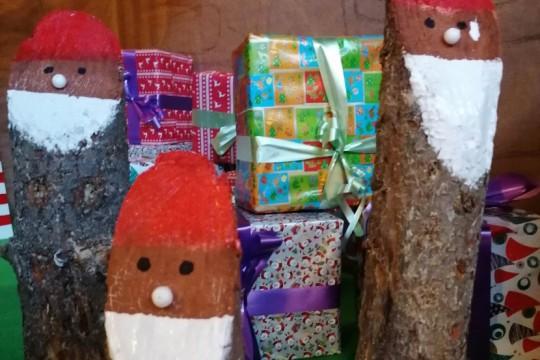 """Os nenos e nenas de Padrón coñecerán mañá a Papa Noel na """"súa casa"""" no municipio"""