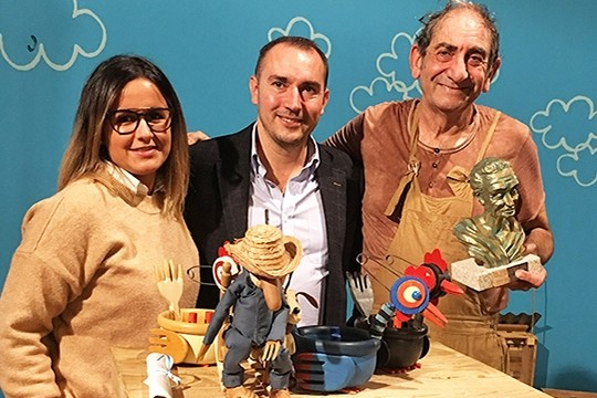 O titiriteiro redondelano Tatán recibe o XVII Premio