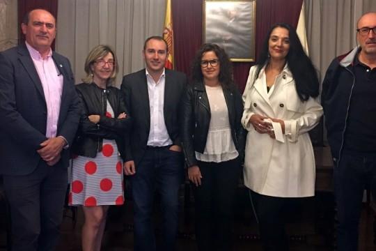 A valenciana Milagros C. A. Pérez Villanueva gaña o IV Certame Poético Rosalía de Castro