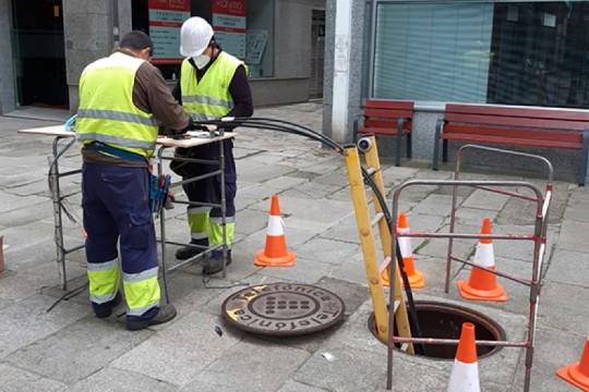 O Concello de Padrón colaborou con dúas empresas de telefonía para instalar fibra óptica no centro e nas zonas rurais