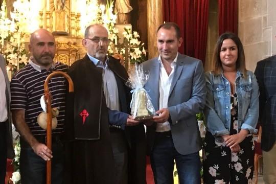 O Concello de Padrón distingue a Manuel Garrido, estudoso do Camiño de Santiago, como II Peregrino de Honra