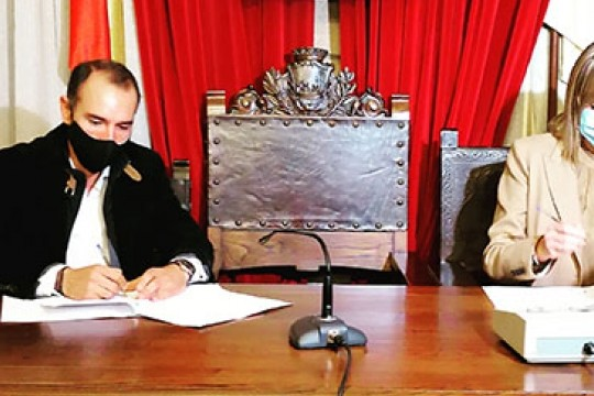 O Concello de Padrón asina un acordo coa consellería de Política Social para a construción dunha residencia